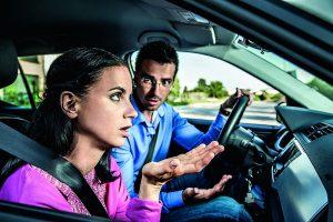 Prepiri mono vplivajo na  varno  vonjo voznika