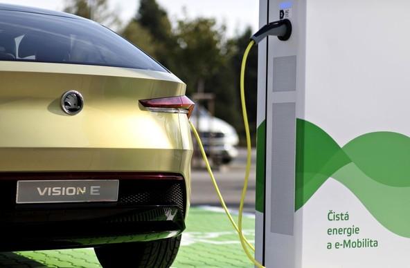 koda Auto bo na  ekem vzpostavila 7 000 elektrinih polnilnih tok