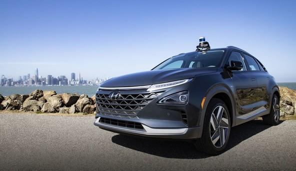 Sodelovanje pri razvoju platforme za avtonomna vozila in storitev Aurora Driver